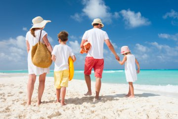 vacanze-con-i-bambini-dove-andare-l-estate-con-i-figli-2725084212[885]x[590]360x240